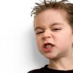 Apretar y/o rechinar los dientes al estar dormido o despierto